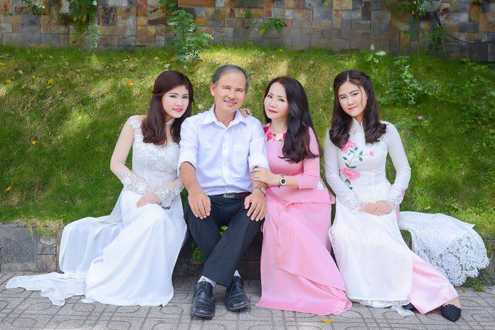 Chụp ảnh gia đình ngoại cảnh đẹp tại TPHCM