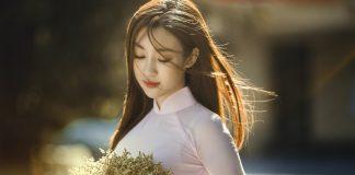 Chọn hoa chụp kỷ yếu đẹp